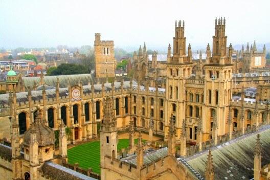 كلية الطب في جامعة اكسفورد