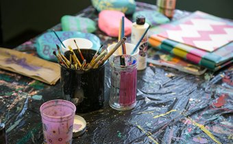 علاج الإدمان بالفن: 15 طريقة للإرشاد و التوجيه النفسي للمدمن و علاجه بالفن
