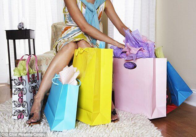 b1c4a515aa750 الآن أصبح لديك عذر مثالي لشراء الأحذية، لكن هذه المرة العذر صحي ومبرر، لأنه  في فترة الحمل ومع زيادة الوزن، يحدث ثقل على القدمين، الأمر الذي يستدعي منك  ...